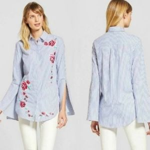 Merona Floral Embroidered Bell Sleeve Blouse M